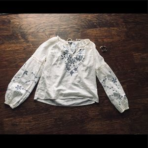 Abrerombie and Fitch embroidered peasant top
